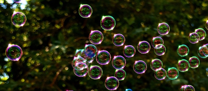 soap-bubbles-2417436_1920.jpg
